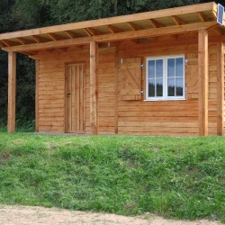 commonty fishing hut